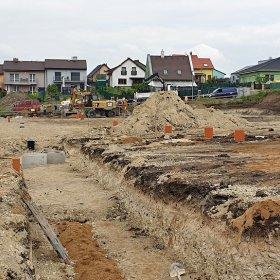 17/05/2019 revizní kanalizační šachty pro budoucí domy