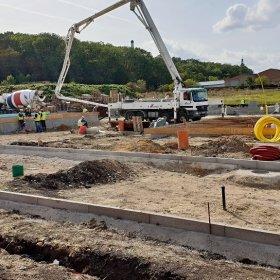 zahájení výstavby domů druhé etapy. zhotovení základů. 17-09-2019