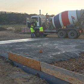 30-10-2019 betonáž základových desek posledních samostatných vil 34 a 35